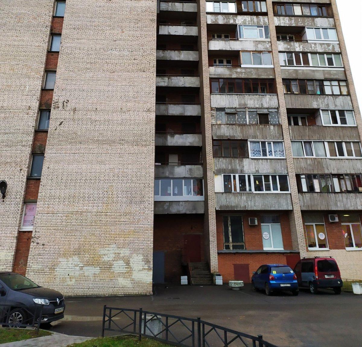 Брестский бул., д 15