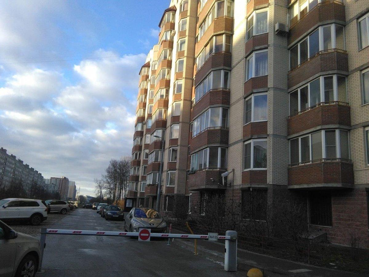 Антонова-Овсеенко ул., д 18