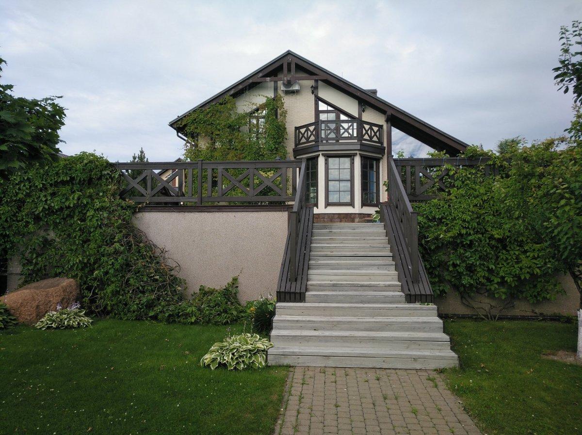 Продажа дома, 244м <sup>2</sup>, Старорусское, Старорусское пос.