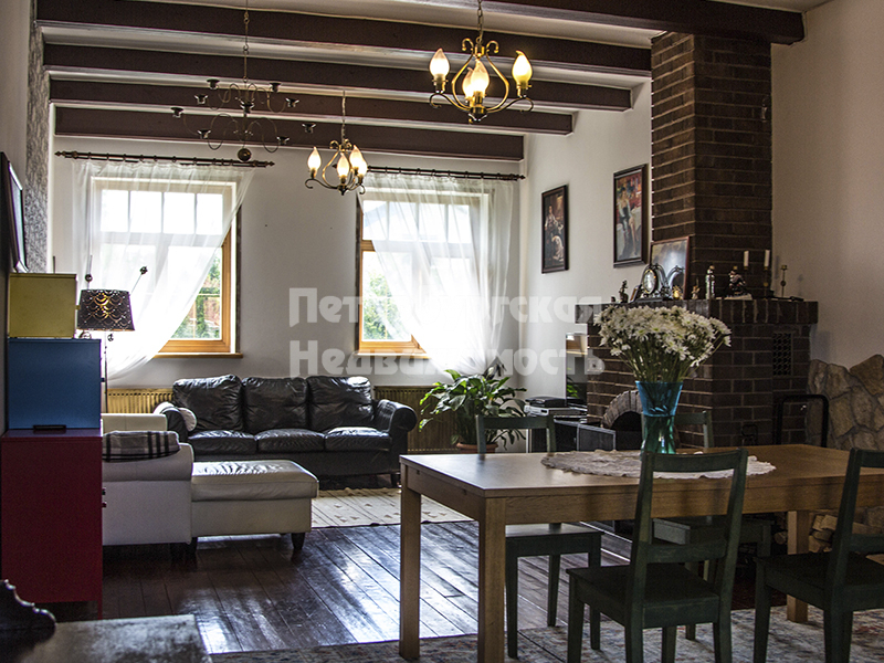 Cottage на продажу по адресу Россия, Санкт-Петербург, Приморский р-н, Лисий Нос пос., Александровская ул.